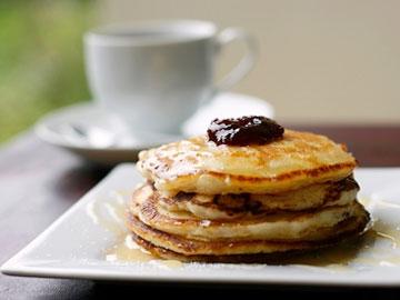 Egg Nog Spice Pancakes