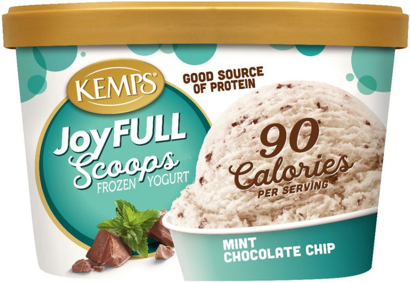 JoyFULL Scoops Frozen Yogurt, Mint Chocolate Chip (1.5qt.)